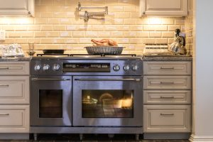 Thanksgiving Meal Prep and Proper Kitchen Ventilation
